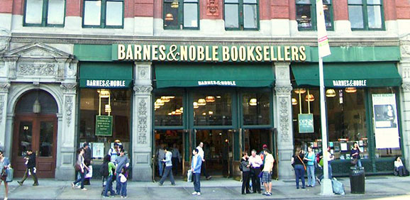 barnes__noble_union_square_nyc-12